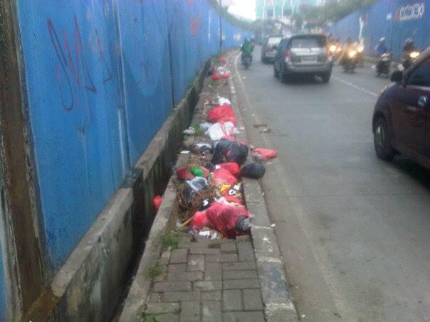 vavai-sampah-underpass-pasar-baru-bekasi